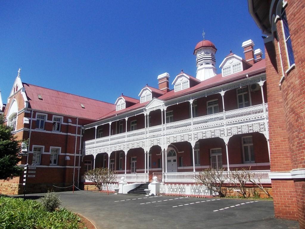 School Exterior Renovation   Manitowoc WI   A.C.E.